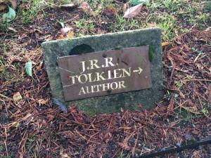 Tolkien-Grave-01